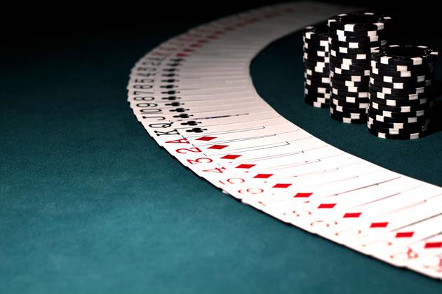 Kesalahan Memainkan Kartu Pada Permainan Poker Judi Online